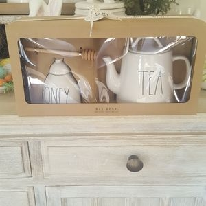 NWT Rae Dunn Honey & Tea Pot Gift Set